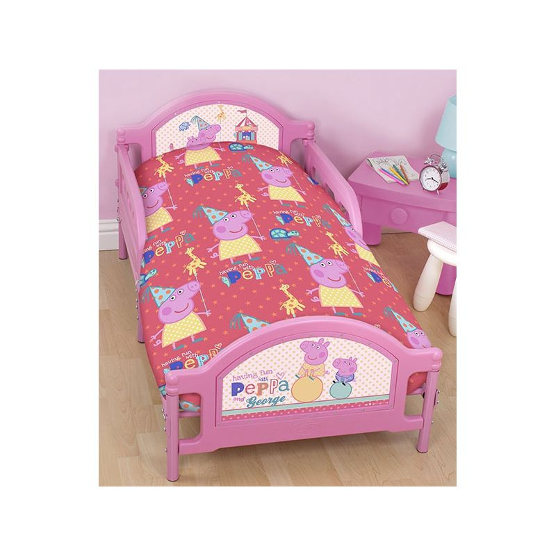 parure de lit peppa pig pour petit lit junior. Black Bedroom Furniture Sets. Home Design Ideas