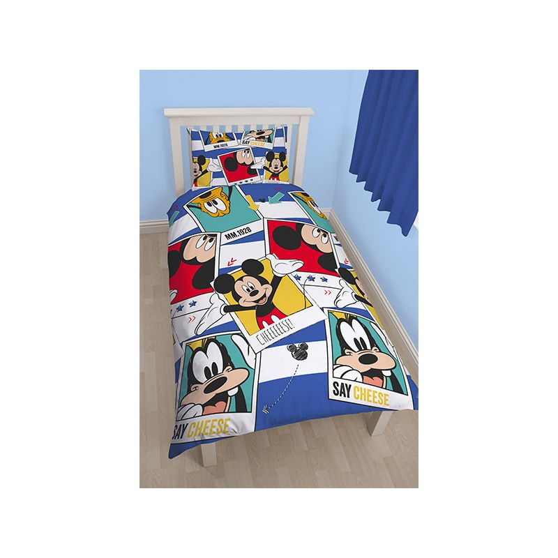 housse de couette mickey et dingo r versible polaro d 140x200. Black Bedroom Furniture Sets. Home Design Ideas